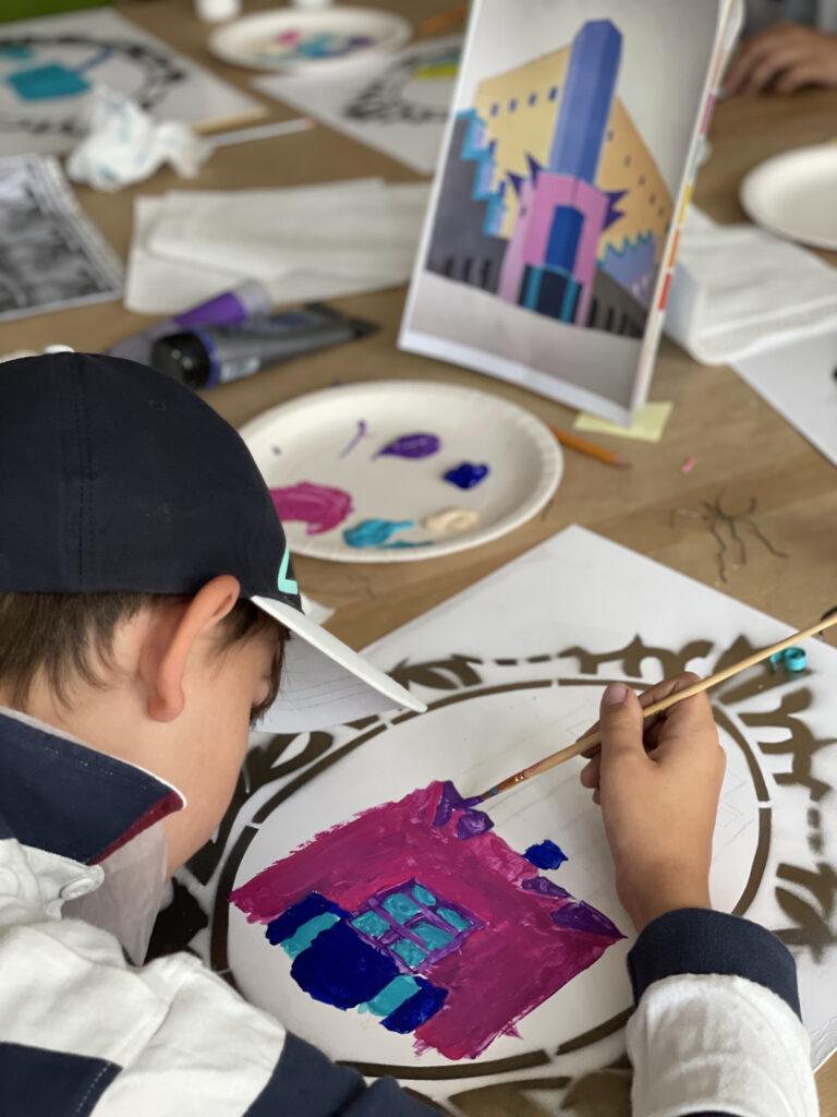 Warsztaty dla dzieci w SARP Wrocław/ inspiracja SOLPOL półkolonie Wrocław dzieci młodzież artystyczne plastyczne plener wakacje 2021 malarstwo rysunek szkicownik