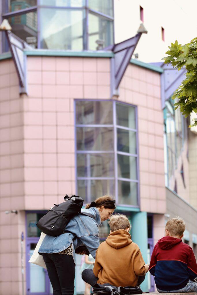półkolonie Wrocław dzieci młodzież artystyczne architektoniczne Sarp solpol plastyczne plener wakacje 2021 malarstwo rysunek szkicownik